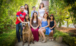 family with kids outdoor natural light portraits in San Jose with Sarah Delwood Photography