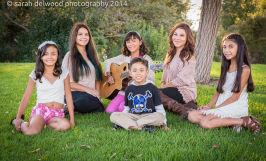 large family kids group photo portraits natural light outdoor park Santa Clara