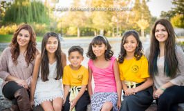 large family kids group photo portraits natural light outdoor park Santa Clara
